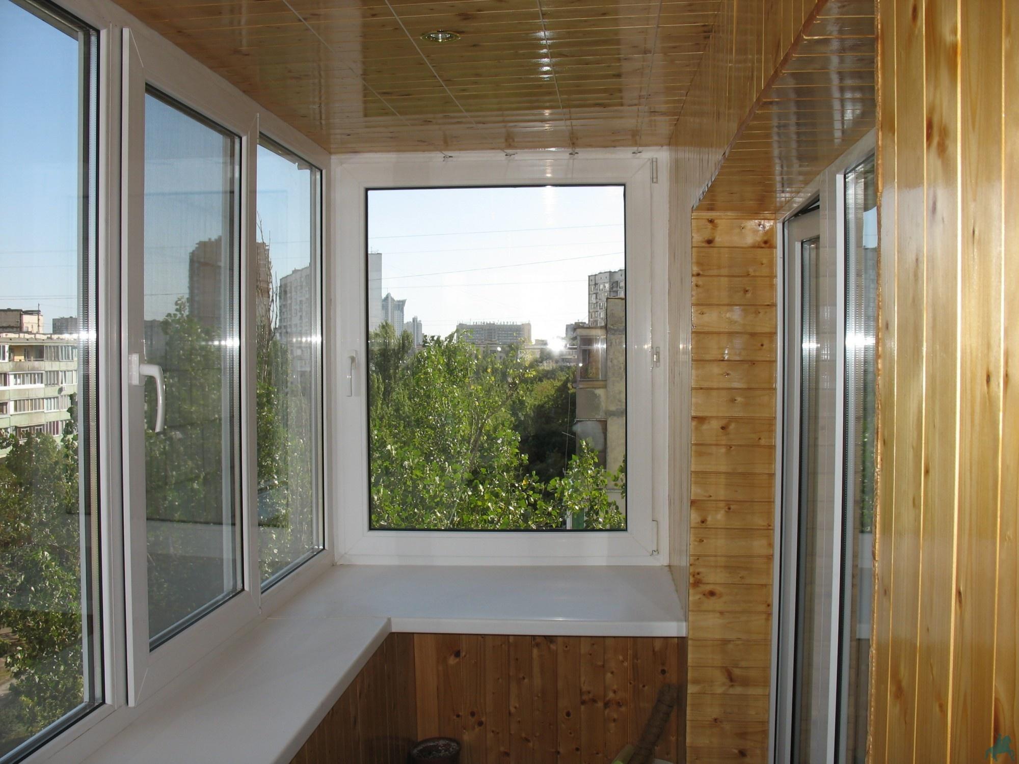 Натяжные потолки в костроме, пластиковые окна, отделка балко.